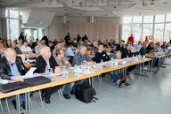 In Karlsruhe machen sich Gutachter fit für die Praxis